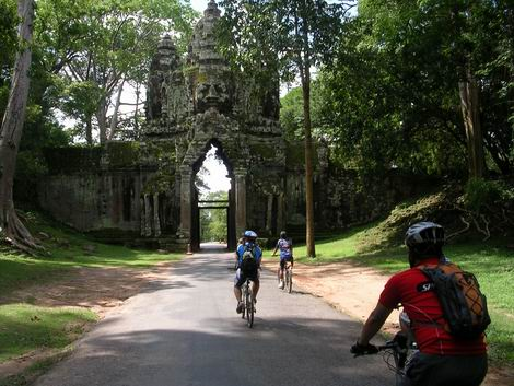 angkor_cycling_02